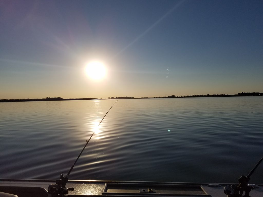 Thursday 39 s weather and solunar forecast devils lake for Solunar fishing forecast